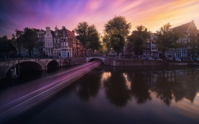 Picture light, the city, excerpt, channel, Netherlands