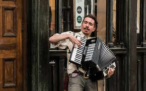Picture street, accordion, Street musician