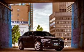 Picture car, Chrysler 300, a full-size sedan