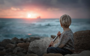 Picture sea, sunset, boy