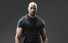 Picture gun, pistol, weapon, man, bulletproof vest, tv series, SHIELD, Agents of SHIELD, Henry Simmons