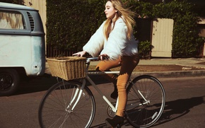 Picture road, bike, basket, Sabrina Carpenter, Sabrina Carpenter, Sarah Barlow, EVOLution