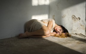 Picture girl, wall, lies, on the floor, Alex Tsarfin