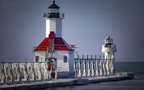 Picture lighthouse, ice, frozen, lighthouse, St.Joseph, lake Michigan