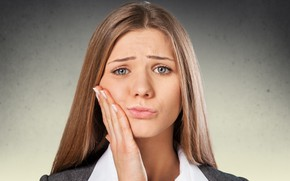 Picture woman, suffering, toothache