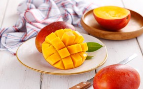 Wallpaper knife, mango, napkin