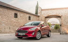 Picture auto, red, the building, Ford, gate, Ford, Fiesta, Titanium