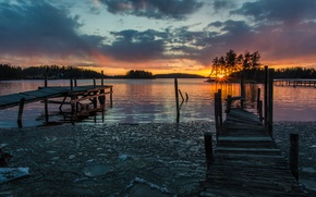 Picture forest, the sky, the sun, clouds, rays, snow, trees, sunset, lake, Finland, piers, Savonlinna