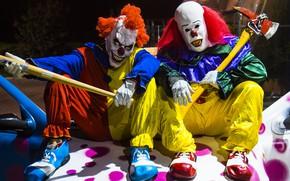 Picture machine, street, clowns