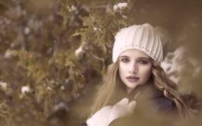 Picture look, girl, cap, mittens, bokeh