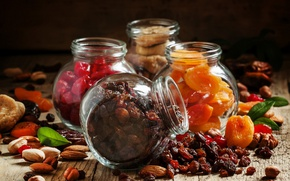 Picture food, nuts, almonds, raisins, figs, dried apricots, dried fruits