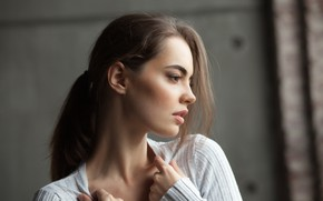 Picture girl, beauty, hair, look, hands, Lidia Savoderova