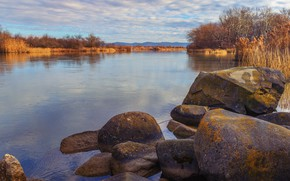Picture river, stones, vegetation, warm christmas 4k