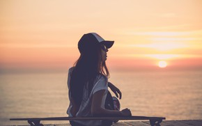 Picture girl, sunset, skateboard