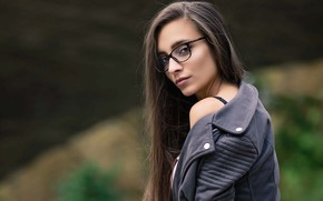 Picture girl, long hair, brown eyes, photo, photographer, model, lips, face, brunette, glasses, looking back, portrait, ...