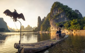 Wallpaper China, fisherman, boat, lake, mountains, bird, Guangxi