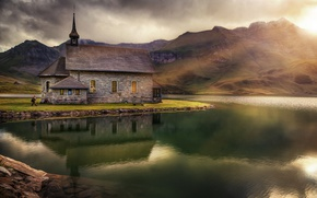 Picture mountains, lake, temple, Chapel In Melchsee
