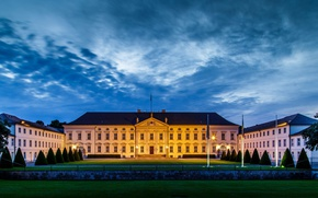 Picture Park, lawn, the evening, Germany, Berlin, Bellevue Palace, the official residence of the President of …