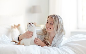 Wallpaper cat, Bathrobe, bed, blonde, smile, bed, hairstyle, bokeh, girl, bedroom, white