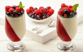 Picture berries, cream, dessert, panna cotta