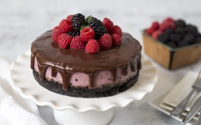 Picture berries, raspberry, chocolate, cake