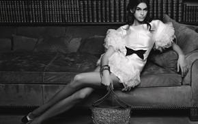 Picture girl, pose, photo, sweetheart, dress, bag, beautiful, black and white, Kaia Gerber