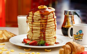 Picture strawberry, sauce, pancakes