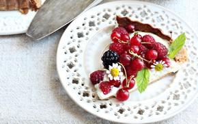 Picture berries, raspberry, plate, pie, currants, BlackBerry