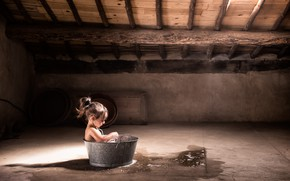Picture girl, attic, basin