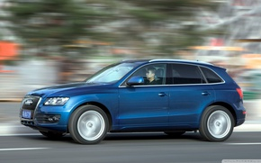 Picture road, the speed of movement, Audi q5