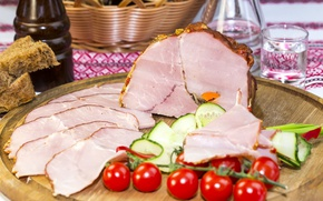 Picture meat, tomatoes, ham