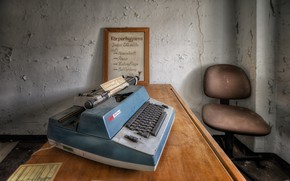 Picture table, background, typewriter