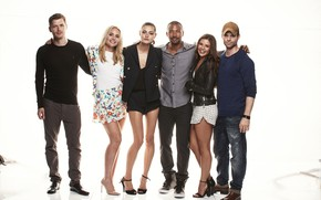 Wallpaper photo, Joseph Morgan, Joseph Morgan, Phoebe Tonkin, Phoebe Tonkin, Daniel Gillies, Charles Michael Davis, The ...