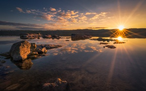 Picture the sun, clouds, lake, stones, Yellow Stone