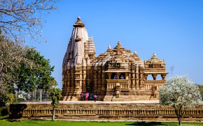 Picture greens, the sky, grass, the sun, trees, spring, India, temple, flowering, Khajuraho, Chitragupta Temple