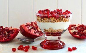 Picture Breakfast, garnet, muesli, yogurt