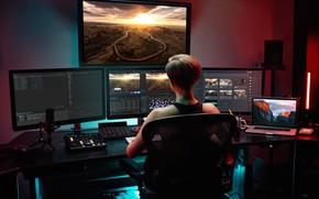 Picture Mac, Work, Monitors
