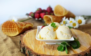 Picture berries, strawberry, ice cream, dessert, vanilla, waffle cone