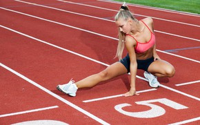 Picture girl, track, stretching, Blondie, warm-up