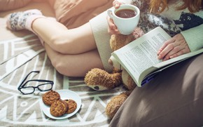 Wallpaper book, drinking, warm, reading, girl, Girl, bed, coffee, book, coffee, cookies, socks, Cup, bed