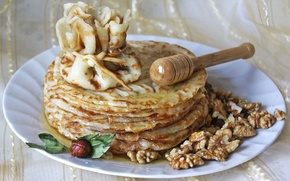 Picture honey, nuts, pancakes