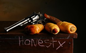 Picture weapons, food, revolver