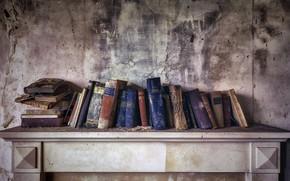 Picture wall, books, shelf