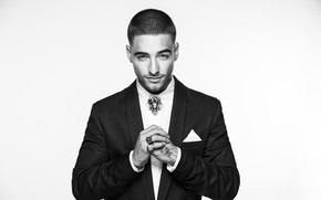 Picture photo, hands, black and white, male, Juan Luis Arias, Maluma