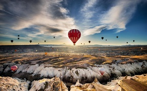 Picture the sky, clouds, balloons, rocks, Turkey