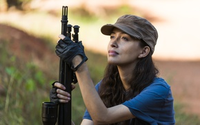 Picture The Walking Dead, Season 7, Christian Serratos, Rosita, weapons