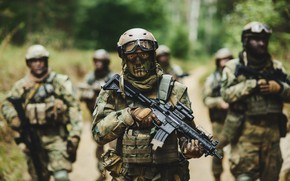 Picture infantry, painted faces, soldiers, assault rifle