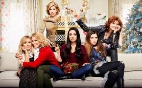 Wallpaper room, sofa, poster, gifts, Kristen Bell, tree, Cheryl Hines, Mila Kunis, Comedy, Susan Sarandon, Mila ...