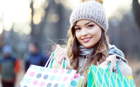 Picture girl, smile, hat, brown hair, bags, packages