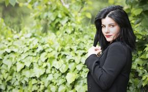 Picture look, brunette, Leonella